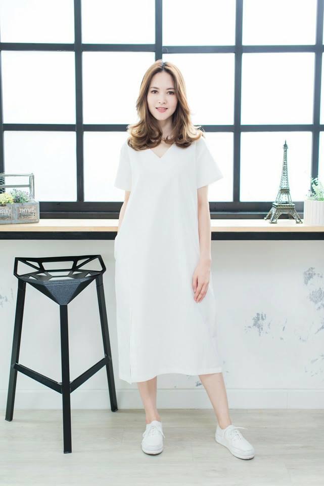 👗V-neck Short-sleeved maxidress_White